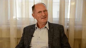 Pētera Apiņa saruna arķirurgu Jāni Dūmiņu