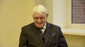 Pētera Apiņa saruna ar RSU profesoru Dzintaru Mozgi
