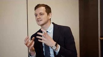 Pētera Apiņa saruna ar dermatologu, venerologu, RSU Absolventu asoc. izpilddirektoru Artūru Kaļvu